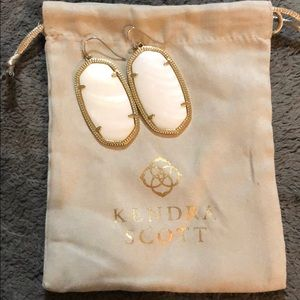 Kendra Scott Danielle Gold Drop Earrings.